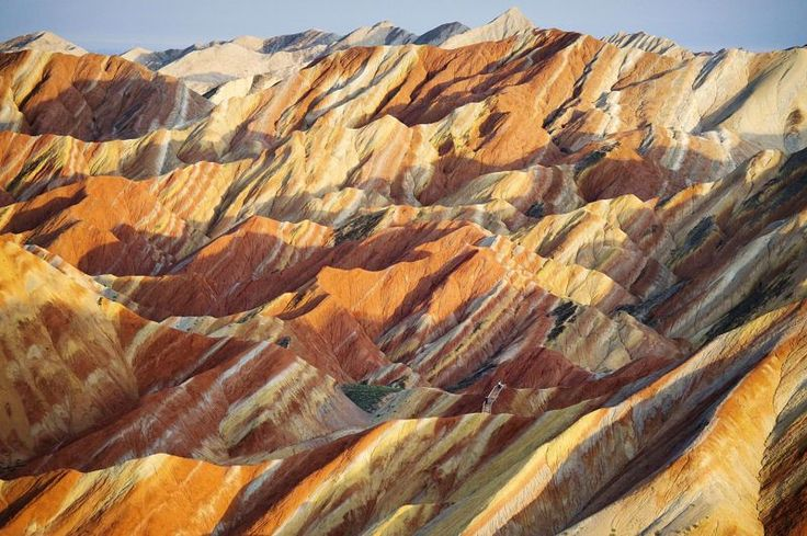Parc naturel géologique de Zhangye Danxia, signifiant littéralement «relief nuages pourpres», dans la province chinoise du Gansu