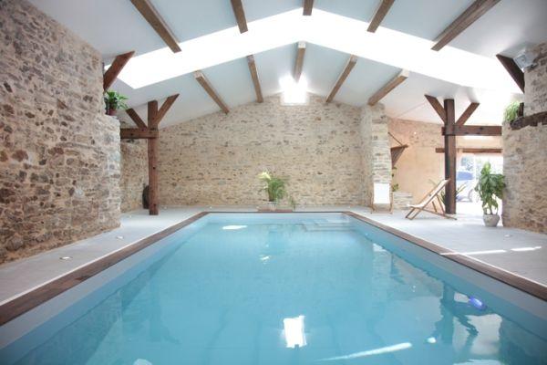 Best 25 indoor swimming pools ideas on pinterest indoor for Piscine interieure