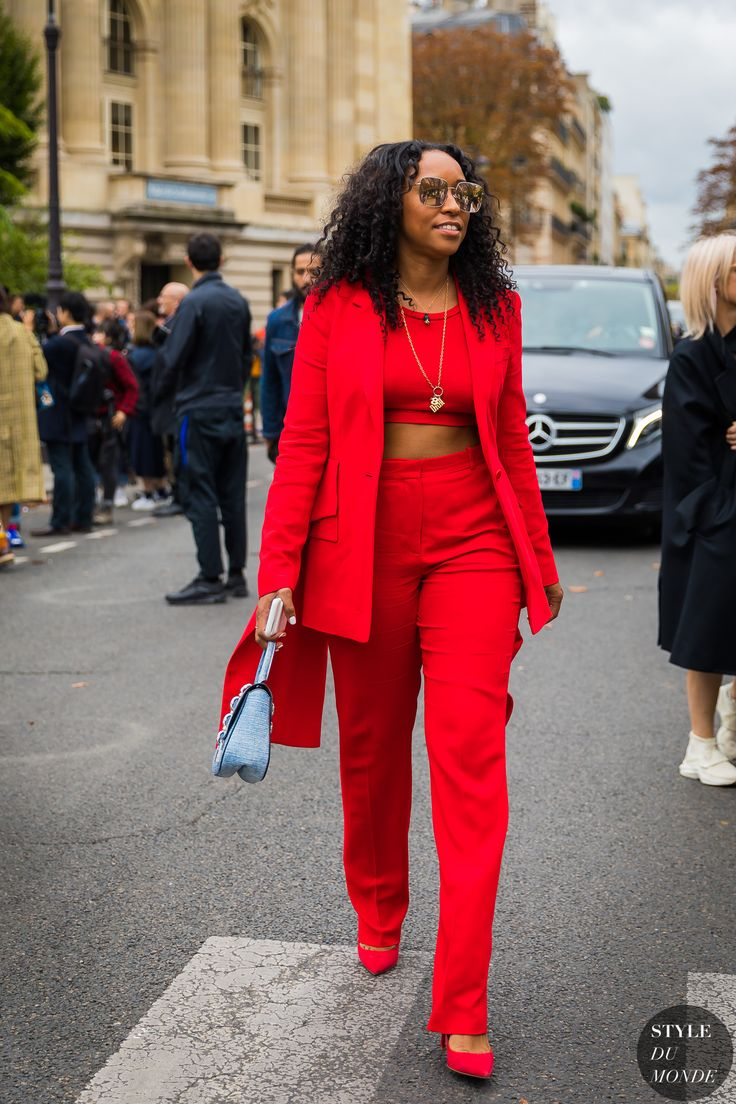 Shiona Turini | Flattering outfits, Fashion, Red outfit