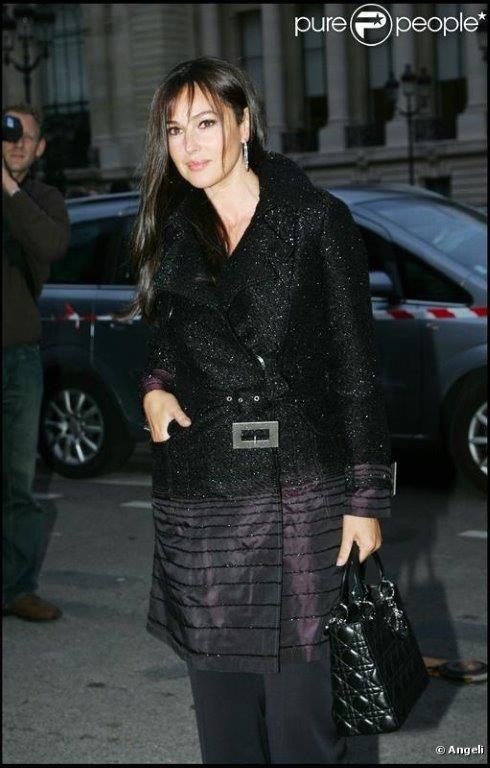 La bellissima Monica Bellucci indossa la splendida borsa Dior Lady Dior. #AFFITTALA anche tu su www.rentfashionbag.it