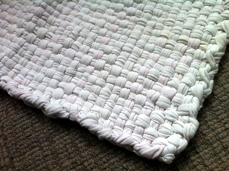 Best 25 T Shirt Rugs Ideas On Pinterest Weaving Braided Rug Tutorial And