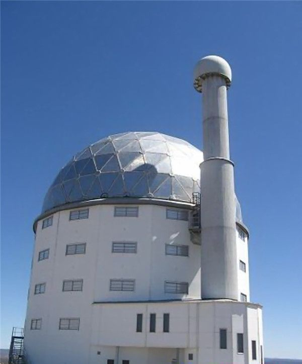 十大观星圣地 代给你身临太空的享受从世界上最大的天文望远镜到与世隔绝的岛屿,这里列举的是一些探索宇宙的最佳地点。 1. 美国夏威夷,莫纳克亚天文台:从世界上最大的天文望远镜到与世隔绝的岛屿,这里列举的是一些探索宇宙的最佳地点。。。