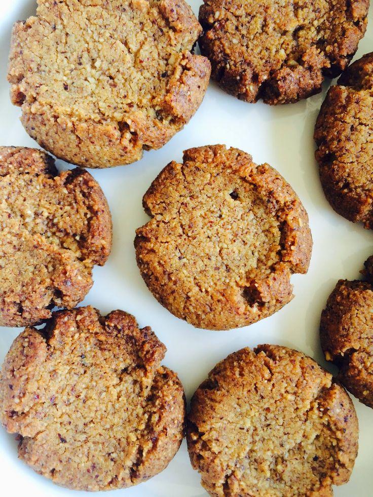Bade'nin Şekeri * Bade's Sugar: Fındıktan Tereyağlı Un Kurabiyesi / Hazelnut Flour Butter Cookies