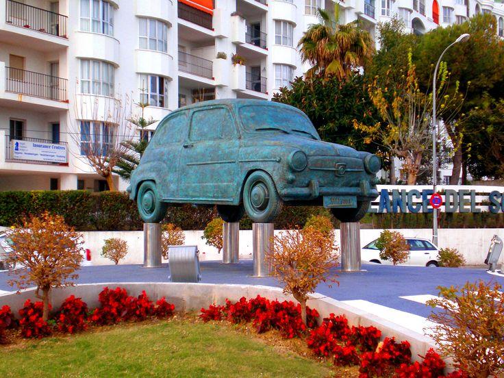 Monumento al Seat 600 (Fuengirola)