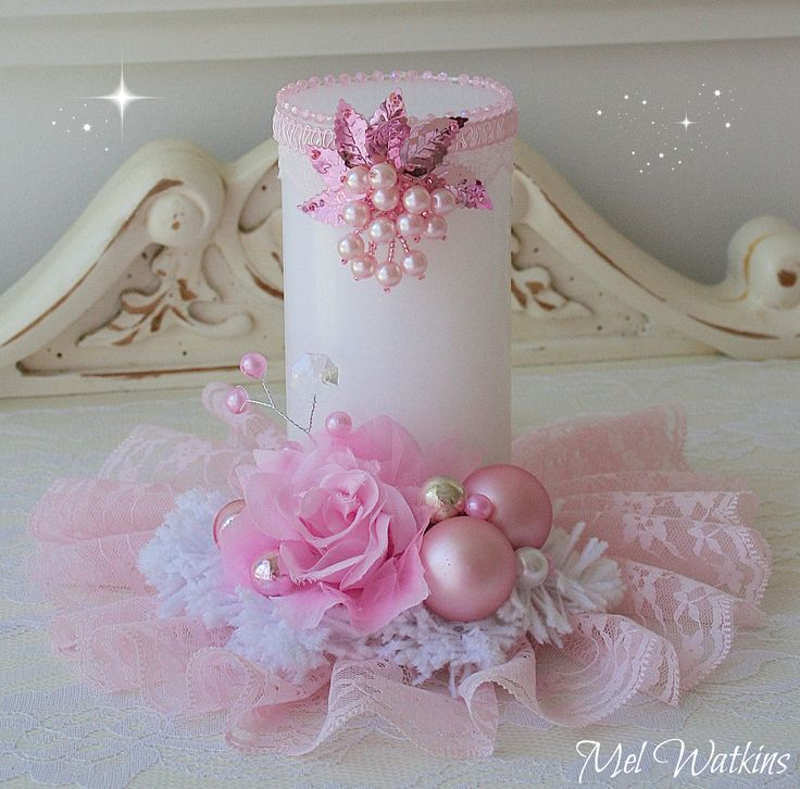 This is so cute I want it....Pretty pink candle / table centerpiece