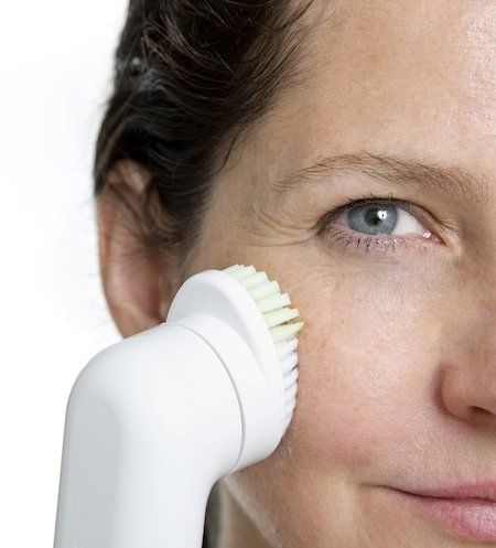 Our Editors Pick The 6 Best Facial Cleansing Devices! Clinique, Olay, Foreo, Clarisonic, Philips, Michael Todd True Organics: Review