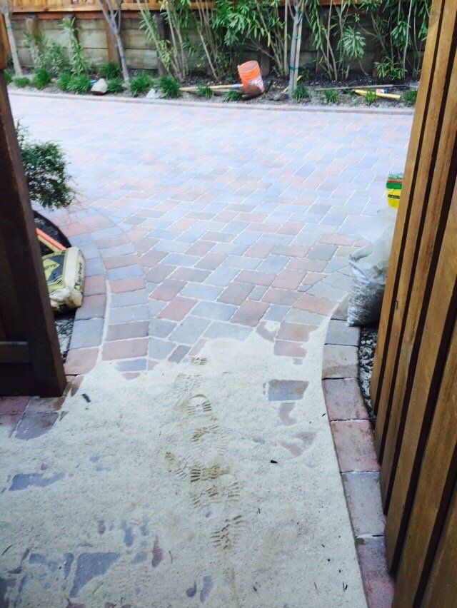 JV Gardening And landscaping and tree Service - Oakland, CA, United States. Sealing pavers polysand!