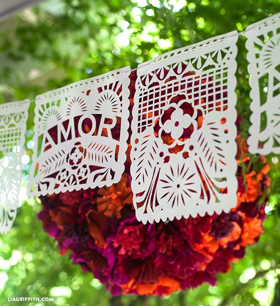 Papel picado para decorar tu boda...