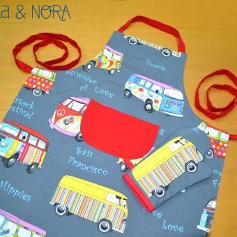 Delantal Furgos, con bolsillo central y tira regulable. Disponible en nuestra tienda online www.nicaynora.com