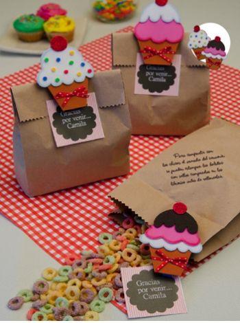 Bolsitas con broches  Ideas para festejar un cumpleaños divertido, compra ya las instrucciones en www.eviadigital.com y empeza de inmediato a trabajar en tu proyecto.
