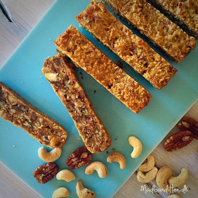 Peanutbutterbarer uden tørret frugt --> madbanditten.dk
