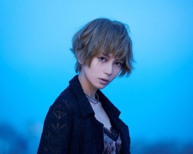 黒髪 金髪 ボーイッシュなのに色っぽい ベリーショート ボブが似合う女性芸能人 4meee 金髪ショート 美しい黒髪 柴咲コウ ショート