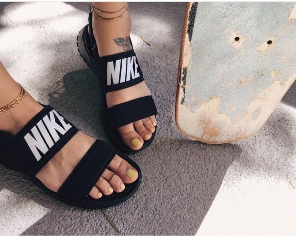 1554a21a9573 Nike tanjun sandals