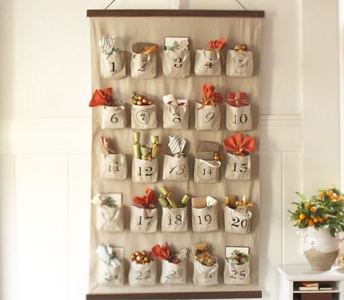 Cute idea for a Christmas advent  calendar that you can easily sew! I love it