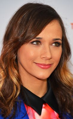 Rashida Jones; undetectable bi racial chick (just like me) :)