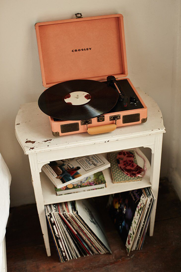 This looks shabby chic and I love record collections.