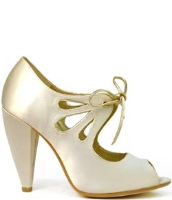 "Ivory ""i do"" heels by Seychelles $100"