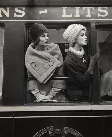 Gorgeous! Women's 50s 1950s fashion photography train photo image picture winter outfits