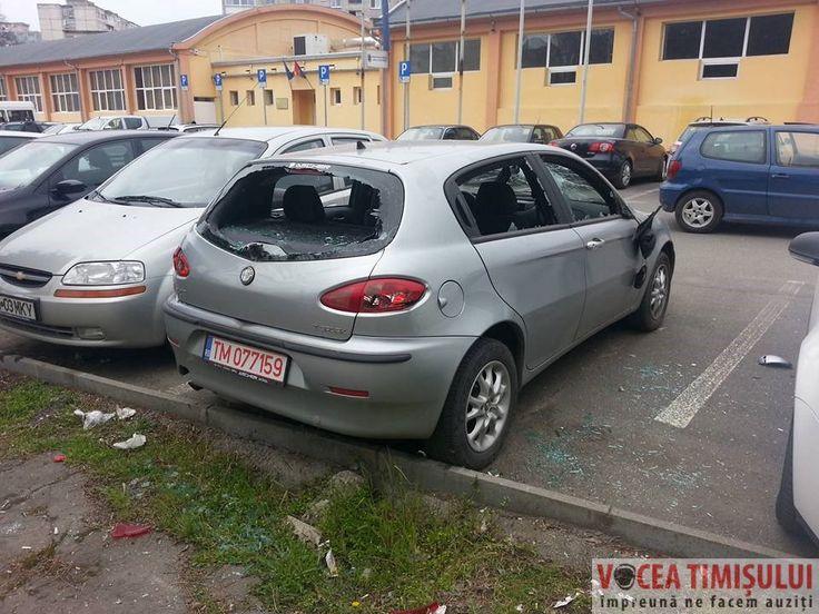 Mașină vandalizată în zona Dacia. Martor: Am văzut doi bărbați cu pari