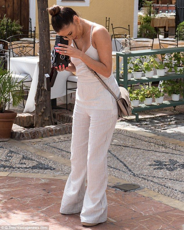 Eva Longoria steps out with new husband Jose 'Pepe' Baston in Spain