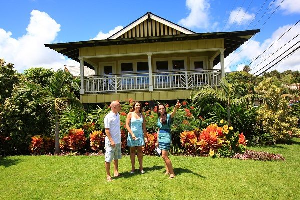 Hawaii life favorite tv shows pinterest for Beach house plans hawaii