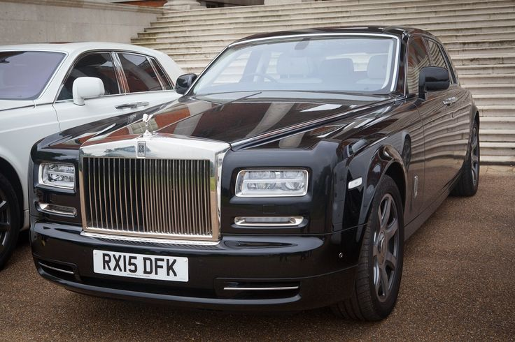 Booking a luxury car for your London trip is easy with Smart City Prestige. Our exclusive range of luxury vehicles, affordable prices and remarkable service are just a phone-call away. Call today on 020 7792 1191 or visit: http://www.smartcityprestige.com/