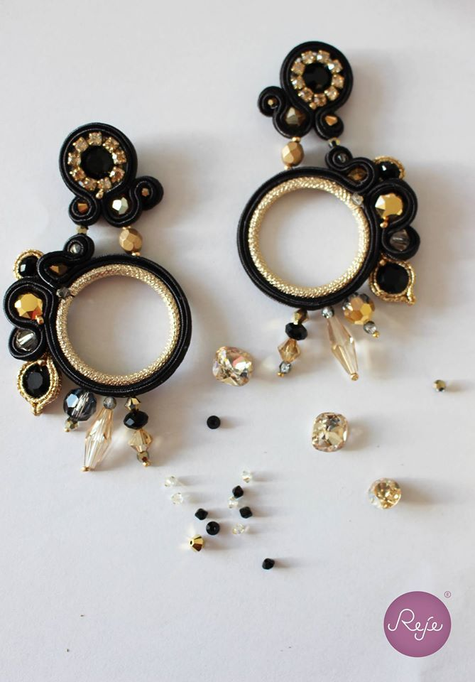 Soutache black & gold earrings.  Entirely hand-sewn by Reje, Italian jewelry designer.