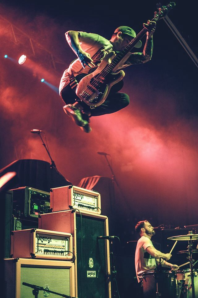 Awesome live photo of metalcore band Beartooth.
