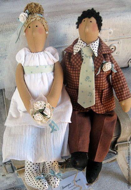 Купить или заказать куклы в стиле тильда  Тили-тили тесто- жених и невеста в интернет-магазине на Ярмарке Мастеров. Забавная свадебная парочка будет памятным подарком на свадьбу и на годовщину свадьбы.