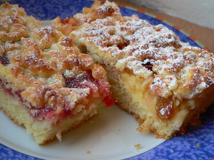 Jedná se v podstatě o linecký mřížkový koláč, ale protože jsem byla lenivá vyvalovat mřížky, pomohla jsme si struhadlem.... Náplň je libovolná - já dělám půl s marmeládou a půl se strouhanými jablky, protože manžel nemusí jablka  tepelně upravená.....
