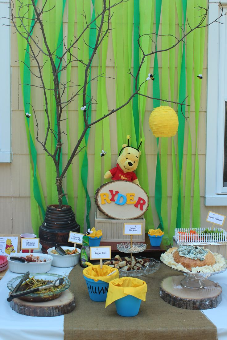 ... : Ryders 1st Birthday Party: Winnie the Pooh table decorations