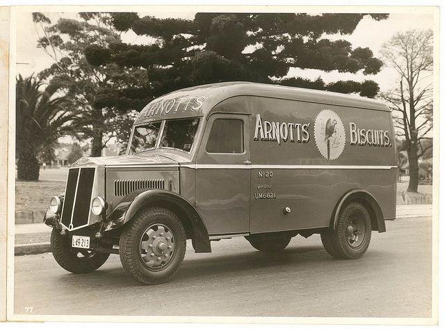 Arnott's Biscuits' Albion van, Sydney, ca. 1935-1940 / photographer Milton Kent