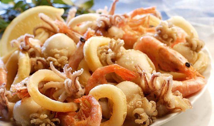 Un piatto sempreverde: da mangiare tutto l'anno! http://pugliamonamour.it/fritto-misto-di-calamari-e-gamberi/