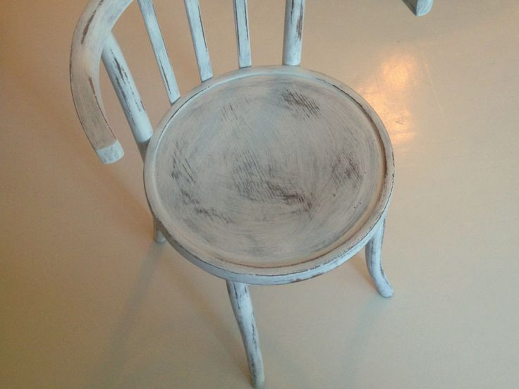 thonet chair painting by termosz design