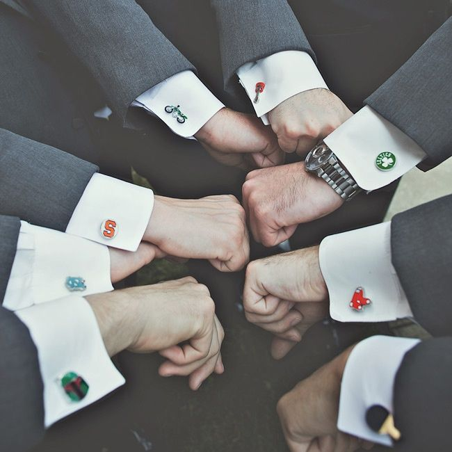 Individualized cufflinks | Photographer: Hot Metal Studio