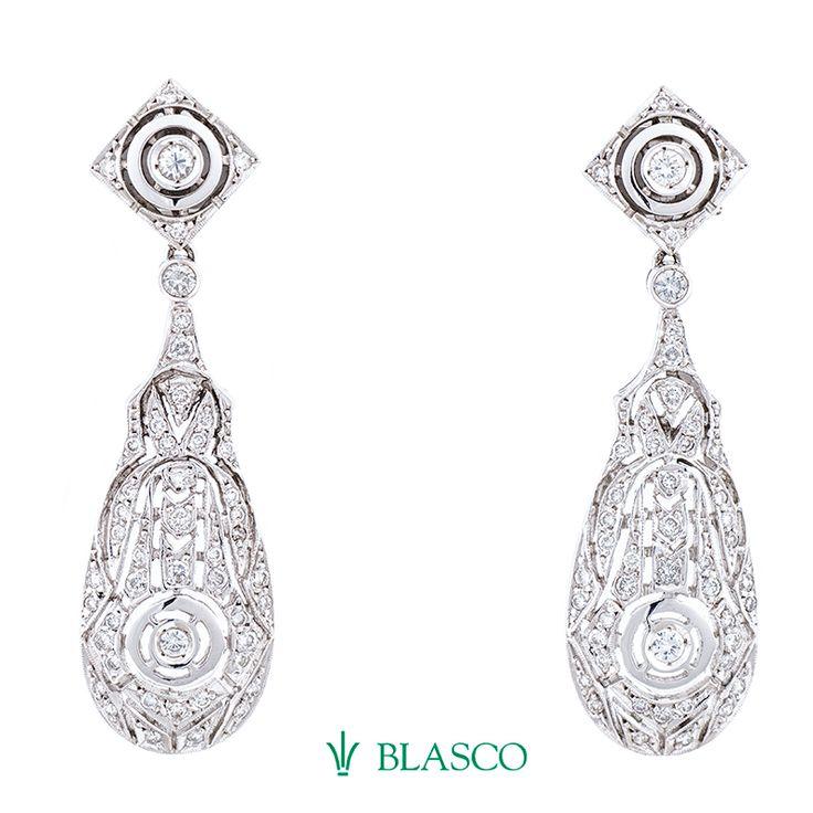 Pendientes tipo isabelinos de oro blanco y diamantes ideales para novia