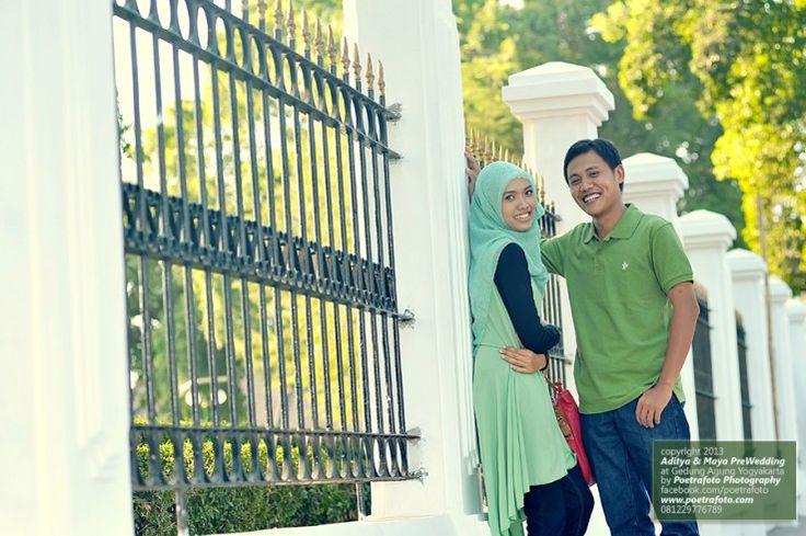 Konsep+Contoh Foto PreWedding Outdoor Jalan Jalan di Jogja | Pre Wedding Photo Photographer Indonesia, http://prewedding.poetrafoto.com/konsep-contoh-foto-prewedding-outdoor-jalan-jalan-di-jogja_475