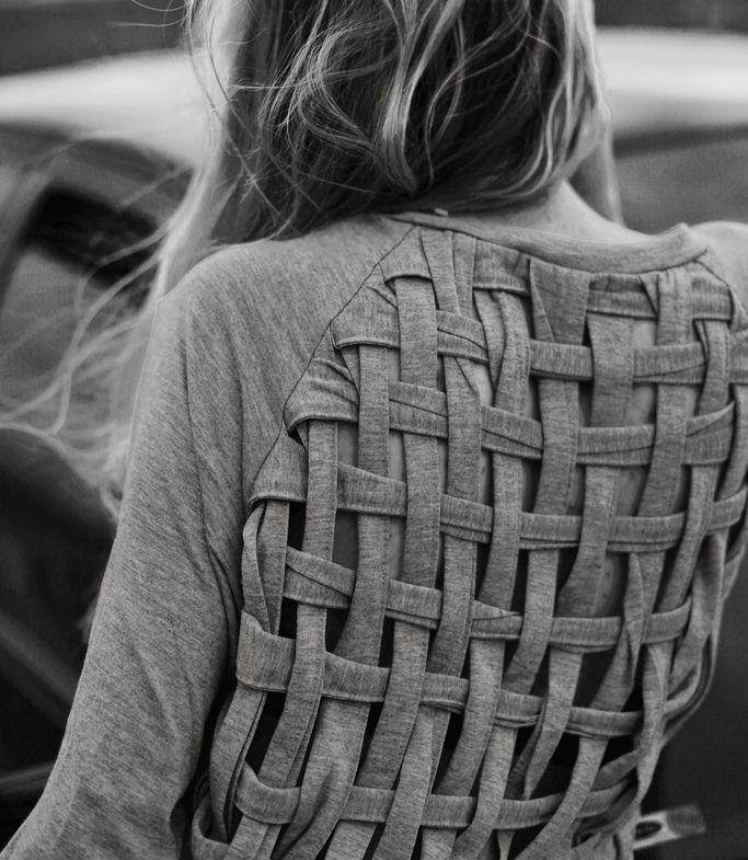 idée: Sweaters, Ideas, Style, Diy Clothing, Tshirt, Diy Shirts, T Shirts, Weaving, Crafts