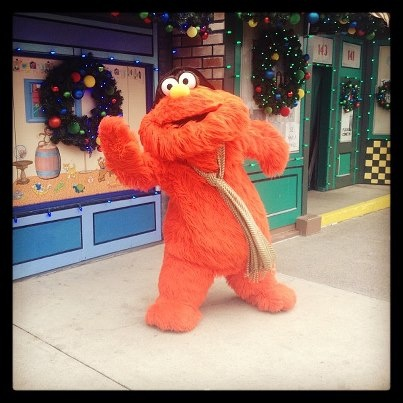 It may be windy some days but our characters are waiting to have fun and take pictures with you! @sesameplace #furrychristmas