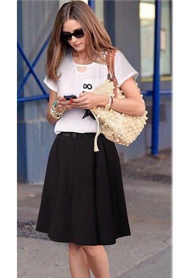 #Set dama, o combinatie mereu reusita alb-negru, cu #fusta midi cu pliuri largi si bluza fina din voal.