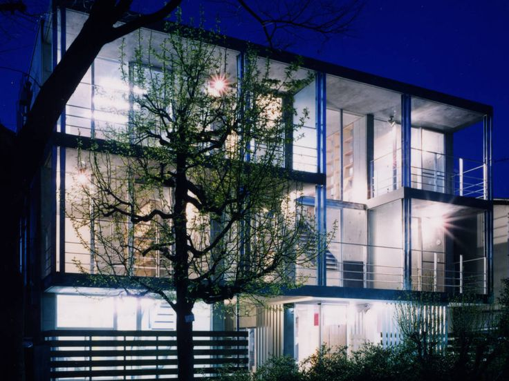 バウハウスの特徴である近代的な素材を使った住宅10選
