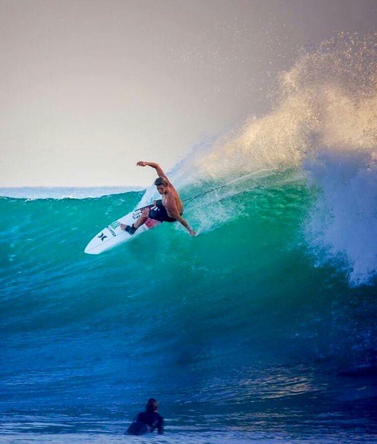 Girls Surfing Wallpaper: Best 25+ Surfing Photos Ideas On Pinterest