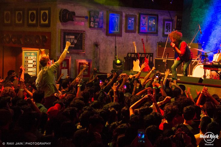 They came. They performed. And they conquered a thousand hearts. Wolfmother LIVE at #HRC #Mumbai