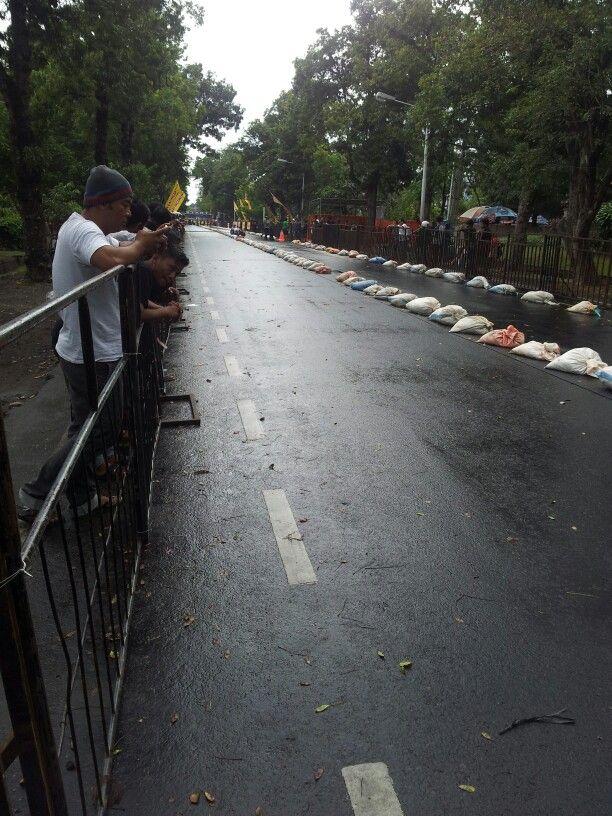 Drag racing on denpasar. Awesome