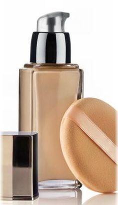 Mit den folgenden Rezepten können Sie deckendes Make-up selber machen, was eine kostengünstige Alternative zu teuren Markenprodukten ist ...