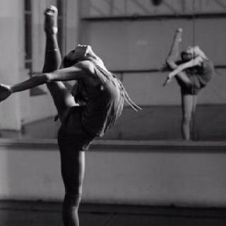 Ballet session: Legs Warmers, Contemporary Dance, Dancers, Strength, Beautiful, Dance Outfits, Jazz Dance, Dance Fashion, Flexibility
