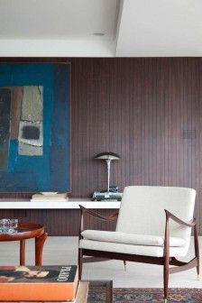 Elegancko, stylowo, mieszczańsko. Zaprojektowany przez Felipe Hessa apartament w São Paulo jest enklawą spokoju pozwalającą oderwać się od miejskiego zgiełku i oddać kontemplacji dzieł sztuki. http://sztuka-wnetrza.pl/685/artykul/mieszczanski-vintage