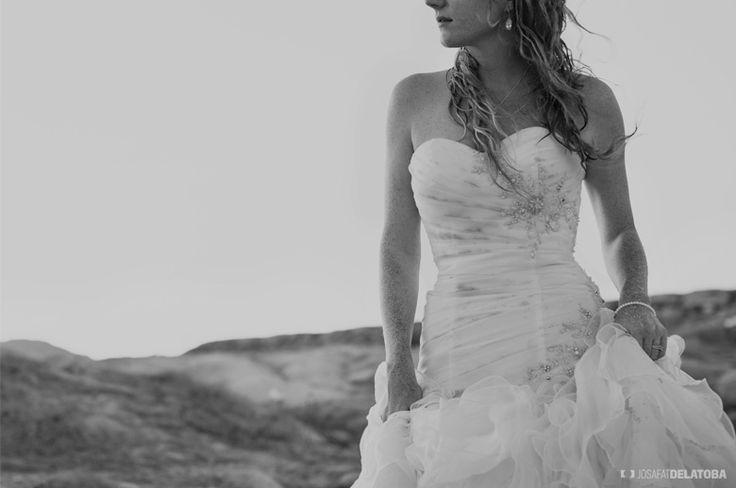 Sexy and Intimate Trash The Dress Photoshoot  #trashthedress #beach #weddingdress #cabophotographer #josafatdelatoba #weddingsinloscabos #caboweddings #loscabos #cabosanlucas