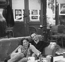 gifs Black and White friends TV chandler bing Monica Geller Courteney Cox season 3 Matthew Perry mondler friends cast Chandler and Monica mondler before mondler pre-Mondler