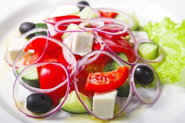 5 reţete de salate care te pun rapid pe picioare după festinul din ziua de Crăciun - Dietă & Fitness > Nutritie - Eva.ro